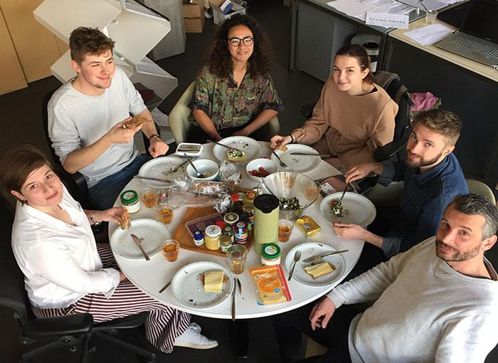 Lunch op de studio met design studio Flip Ziedses des Plantes